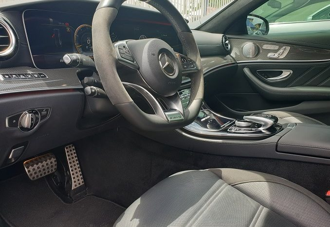 MERCEDES-BENZ E63S AMG full