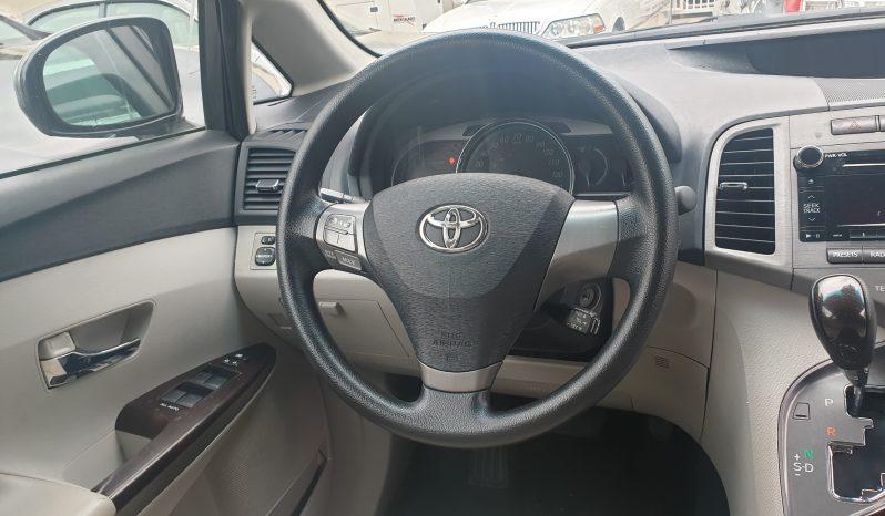 Toyota Venza full