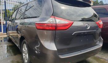 Toyota Sienna full